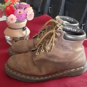 DR.MARTENS BOOTS MADE IN ENGLAND